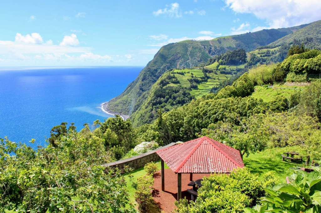 reasons-to-visit-the-azores