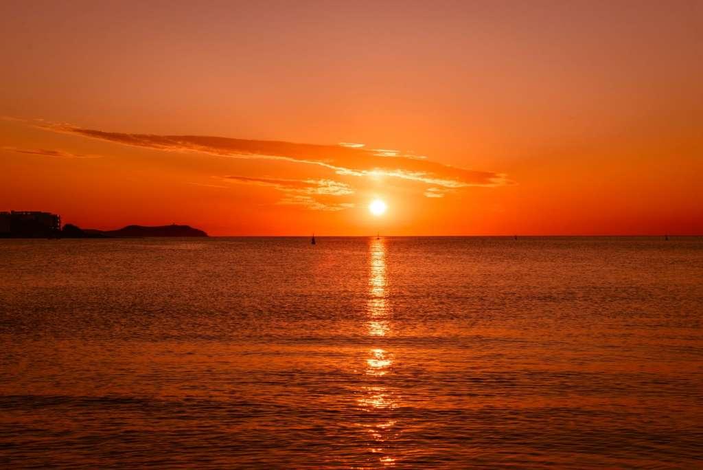reasons-to-visit-ibiza-sunset