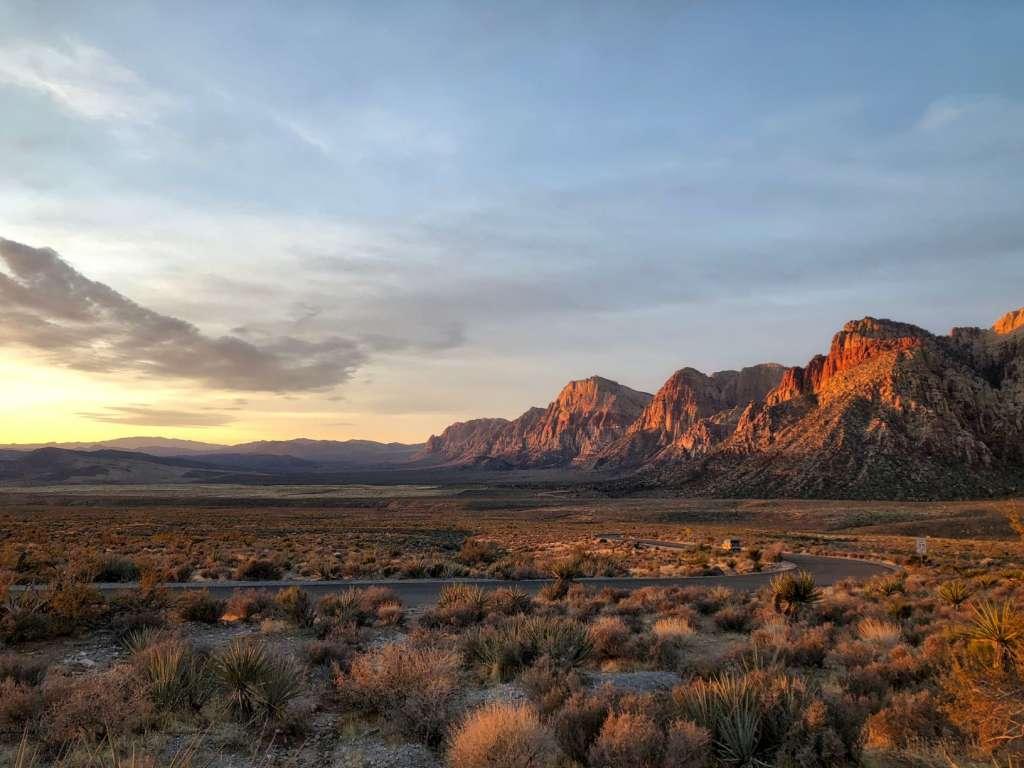 reasons-to-visit-las-vegas-canyon