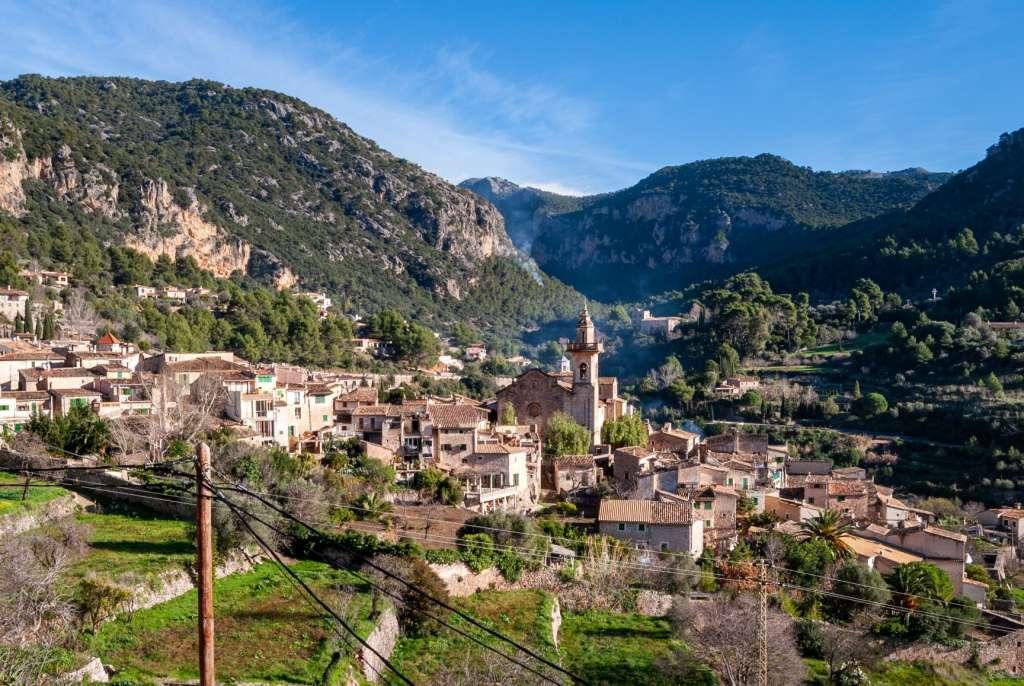 reasons-to-visit-majorca-Valldemossa