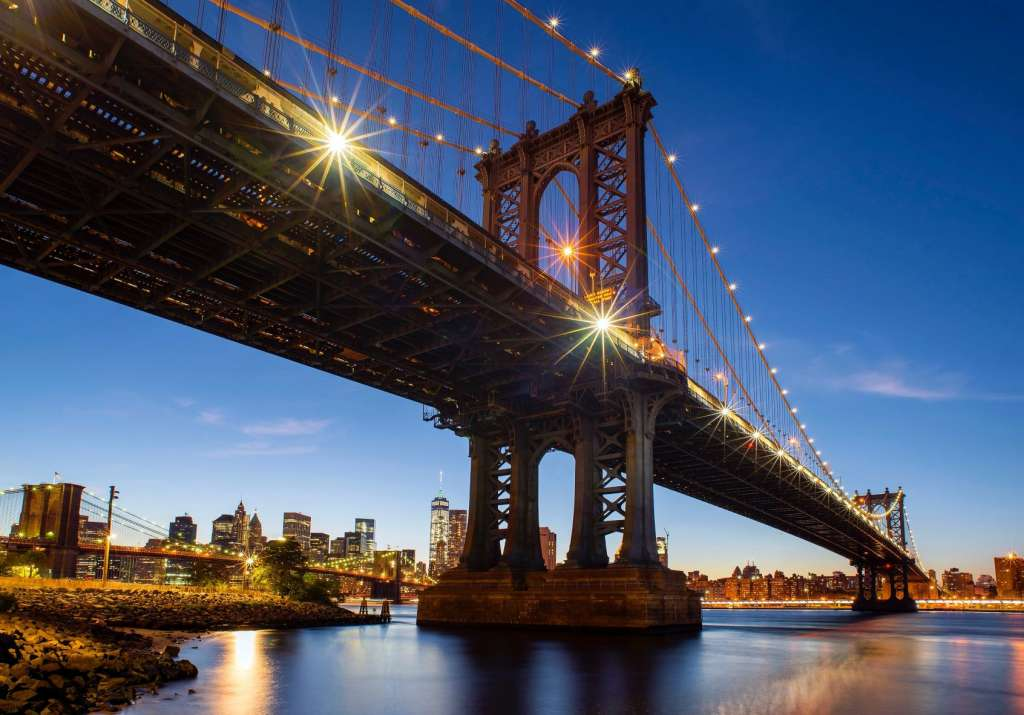 reasons-to-visit-new-york-city-brooklyn-bridge