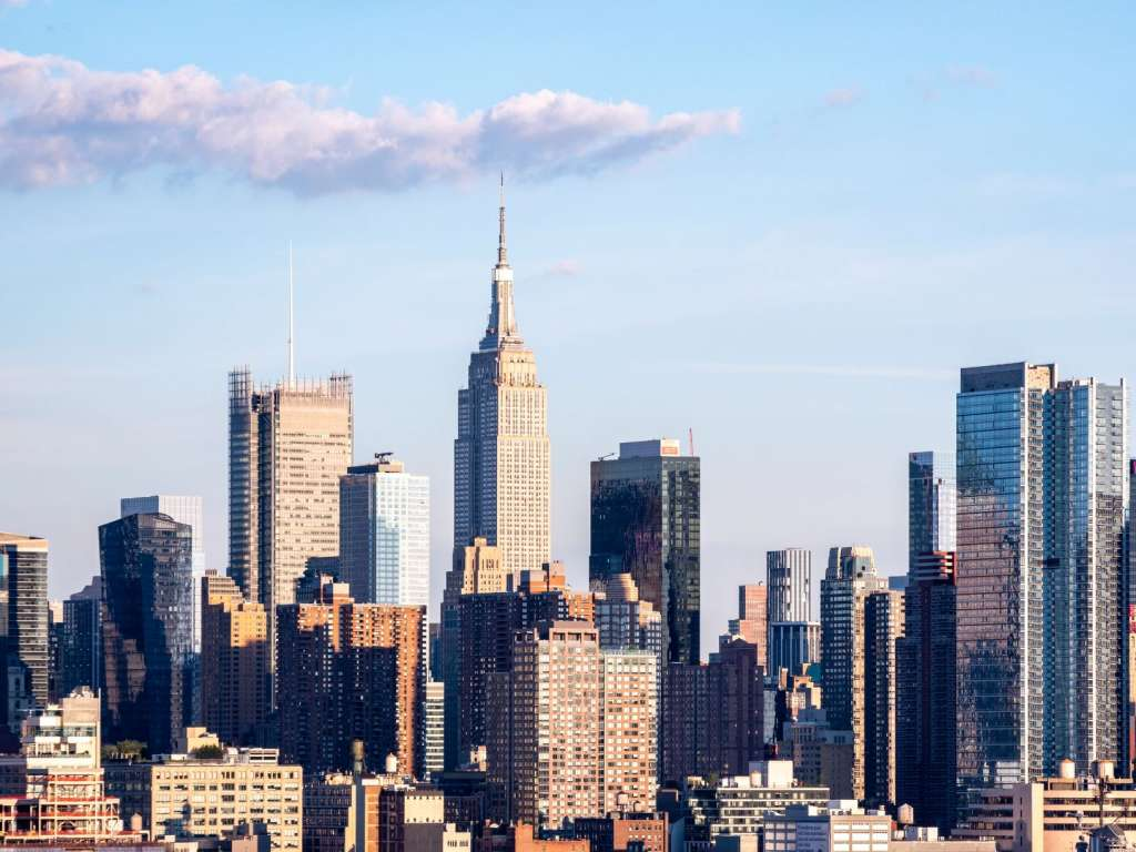 reasons-to-visit-new-york-city-skyscraper