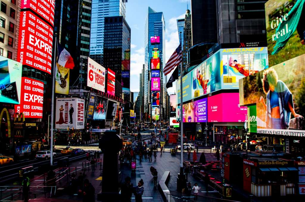 reasons-to-visit-new-york-city-times-square