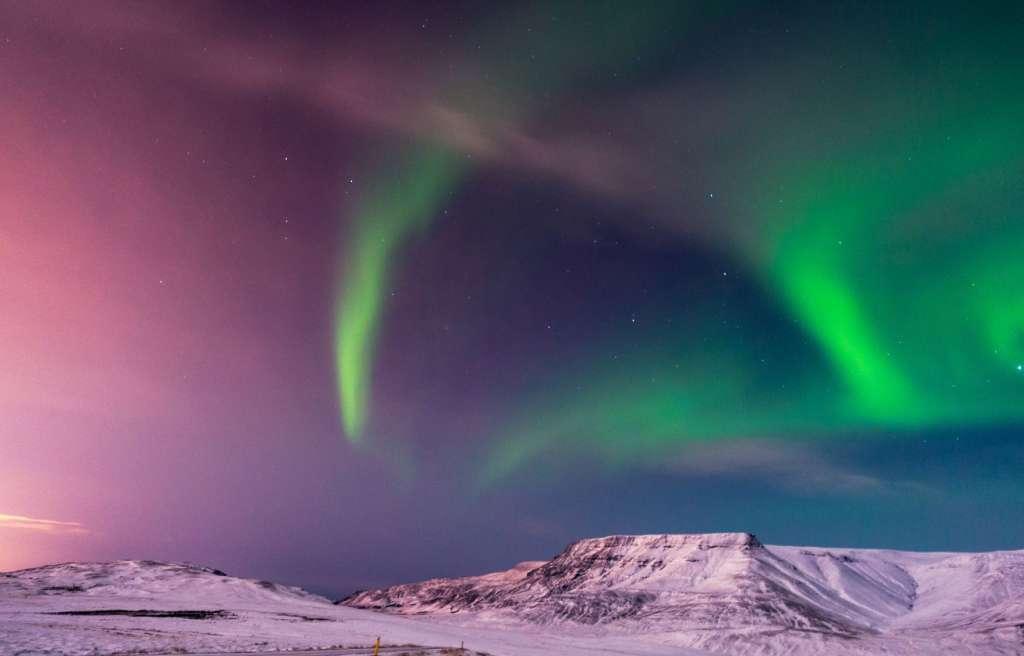 reasons-to-visit-rekjavik-northern-lights