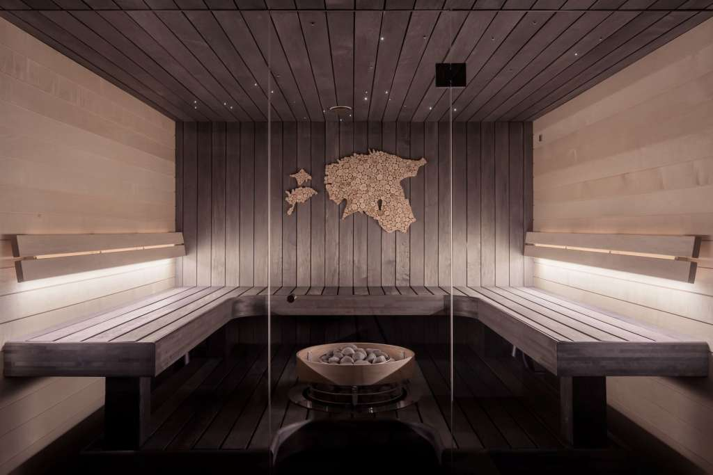 reasons-to-visit-finland-sauna