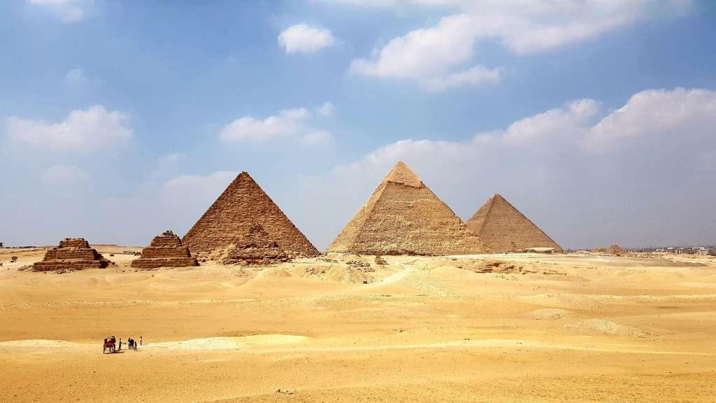 reasons-to-visit-egypt-pyramid