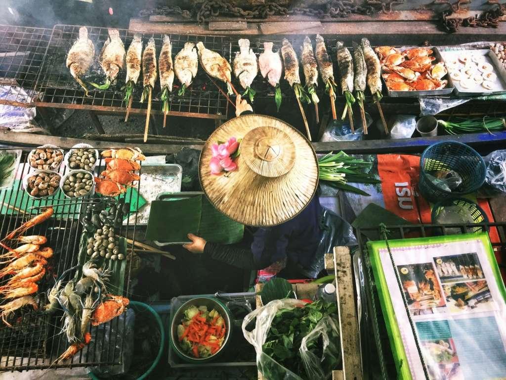 reasons-to-visit-thailand-food